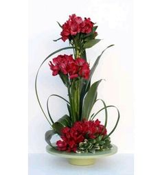 Corporate flowers, corporate flower centerpiece, add pic source on comment and… Contemporary Flower Arrangements, Flower Arrangement Designs, Unique Flower Arrangements, Unique Flowers, Flower Centerpieces, Amazing Flowers, Flower Decorations, Flower Designs, Tropical Floral Arrangements