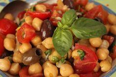 Insalata di Ceci olive e pomodorini