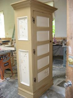 Armoire made with ol