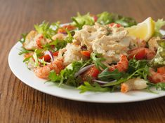 This crab and crawfish salad is served with a Louis style dressing. A little Tabasco and Old Bay seasoning add spice to the flavorful dressing. Crawfish Recipes, Crab Recipes, Spinach Recipes, Spinach Salads, Recipies, Imitation Crab Salad, Sea Food Salad Recipes, Vegetable Soup Healthy, Seafood Salad