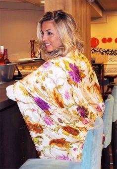 Fulares de seda Julunggul , pañuelos, bufandas, chales silk scarves www.julunggul.com