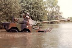ERC-90 Sagaie 110 Amphibie