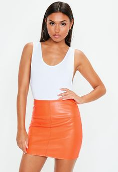 Mini-jupe en simili cuir orange | Missguided