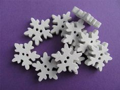 BB BUTTONS - SNOWFLAKES white wood 18mm pk of 10 christmas xmas craft frozen