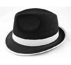 Kapelusz Gangstera. Wykonany ze sztywnego filcu z kolorze czarnym z białą lamówką. Świetny dodatek na imprezę w stylu lat 20-tych.