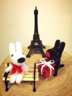 Pipe cleaner art of Gaspard and Lisa