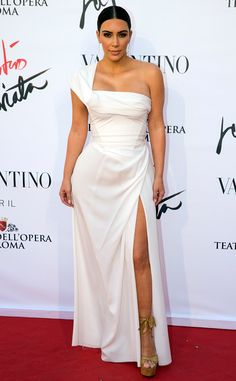 Kim Kardashian Wears Elegant White Gown While Attending Opera in Rome With Kanye West | E! News