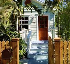 Oldtown Home In Key West Florida Living Keys Beach Bungalows