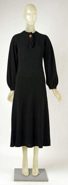 Dress Madeleine Vionnet (French, Chilleurs-aux-Bois 1876–1975 Paris) Date: ca. 1935 Culture: French Medium: wool, metal, leather Dimensions:...
