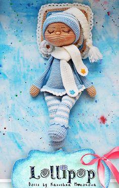 Haakpatroon Slaappopje Granny Square Crochet Pattern, Crochet Doll Pattern, Crochet Toys Patterns, Stuffed Toys Patterns, Doll Patterns, Diy Crochet Toys, Crochet Dolls, Free Crochet, How To Make Toys