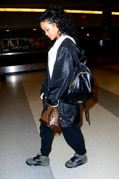 Rihanna Fashion Style : Photo
