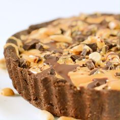 Vegan peanut butter pie is a healthy peanut butter pie with coconut milk. A gluten-free, grain-free chocolate almond crust with chia peanut butter filling. Healthy Vegan Desserts, Vegan Dessert Recipes, Vegan Treats, Vegan Foods, Vegan Dishes, Vegan Baking Recipes, Diet Desserts, Healthy Dessert Recipes, Healthy Baking