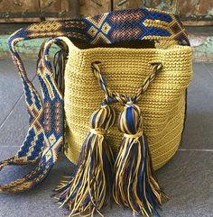 Crochet Home, Knit Crochet, Mochila Crochet, Art Bag, Loom Bands, Tapestry Crochet, Embroidery Techniques, Knitted Bags, Handmade Bags