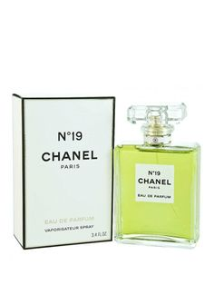 1970 - Chanel Chanel introduces naming the new fragrance after her date of birth, August Conceived by master perfumer Henri Robert, the assertive floral scent is infused with iris and inflected with a rich blend of green and wood notes. Chanel 19, Coco Chanel, Perfume Store, Perfume Bottles, Chanel Chance, Parfum Chanel, Makeup Gift Sets, Perfume And Cologne, New Fragrances