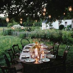 the art of slow living — Forestbound the art of slow living — Forestbound - Mobilier de Salon Outdoor Dining, Outdoor Spaces, Slow Living, Outdoor Gardens, Hygge, Table Settings, Sweet Home, Home And Garden, Decoration