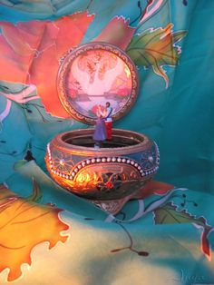 Anastasia Music Box-- I know it's not Disney, but I don't have another board to put it on right now. So deal with it. Anastasia Disney, Anastasia Film, Anastasia Music Box, Anastasia Broadway, Anastasia Romanov, Disney Kunst, Arte Disney, Disney Magic, Disney Art