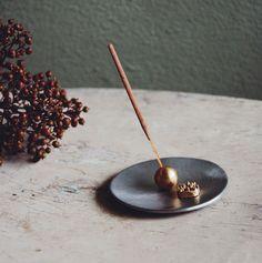Portaincenso per bastoncini e coni Incense Holder, Ecommerce, Store, Bombshells, Larger, E Commerce, Shop