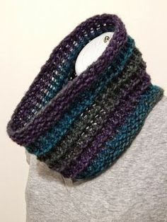 Hello all! I've been working on updating and improving some of my old patterns. Here is one for a loom knit cowl, which I have named the Rid...