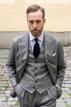 Trying my best Connery impression in today's article on Three piece Su Misura suit by Dapper Gentleman, Gentleman Style, Mens Fashion Suits, Mens Suits, Men's Fashion, Prince Of Wales Suit, Classic Suit, 3 Piece Suits, Suit And Tie