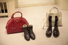 #Prada bowling bag, #Chloé studded ankle boots, white cracked leather #MiuMiu tote, and lace-up boots from #Shoto, autumn winter at www.wunderl.com Studded Ankle Boots, Lace Up Boots, Fall Winter, Autumn, Bowling Bags, Miu Miu, Chloe, Prada, Leather