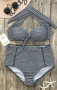 Enjoy life on the beach~ You'll fall in love with our striped bikini.