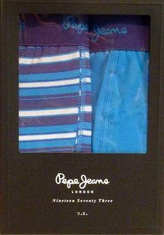 Pack de 2 boxers Pepe Jeans - ENVÍO 24/48h - Calzoncillos de pierna media con goma vista en marino y logo de la marca en azul- U5 F3306 Blue - Tu ropa interior masculina en Varela Íntimo. #regalos #Navidad #moda #modahombre #calzoncillos http://www.varelaintimo.com/37-boxers