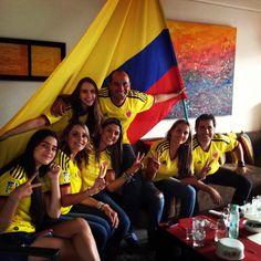 Así se vive en los hogares colombianos el fútbol.
