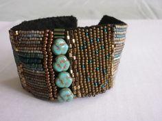 Glasperlenarmbänder - Gesticktes Perlenarmband Donatella - ein Designerstück von ADEOLA bei DaWanda