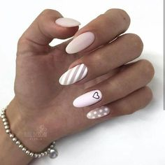 Semi-permanent varnish, false nails, patches: which manicure to choose? - My Nails Stylish Nails, Trendy Nails, Perfect Nails, Gorgeous Nails, Cute Acrylic Nails, Cute Nails, Hair And Nails, My Nails, Nagellack Design