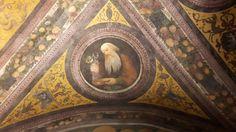 Refettorio davanti alla Cantina.  Affreschi del soffitto di Fogolino.  1532. Castello del Buonconsiglio a Trento