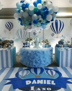 Baby Shower Balloon Decorations For Boy. Flying Teddy Bear With Balloons Baby Shower Wall Decor . Baby Shower Balloon Decorations, Baby Shower Table Centerpieces, Baby Shower Balloons, Birthday Balloons, Birthday Decorations, Balloon Ideas, Idee Baby Shower, Baby Shower Cakes, Baby Shower Parties