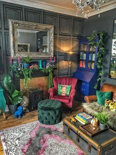 Eclectic Living Room, Boho Living Room, Eclectic Design, Eclectic Decor, Dream Home Design, House Design, Maximalist Interior, Dark Home Decor, Aesthetic Room Decor