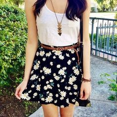 shirt t-shirt skirt daisys flowers floral skater skirt necklace gold top.