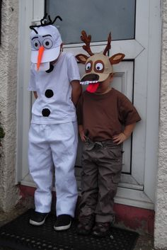 Easy no sew olaf costume 89 more costume ideas family kids sven and olaf diy google search solutioingenieria Image collections