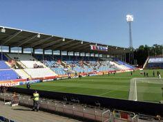 Job 2 : Coupe de l'UEFA France-Russie - Tolotra en Suède, dans le stade #Waytowork #adecco2013 http://adecco.fr