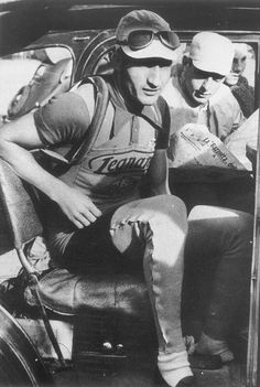 Classic Vintage Cycling Vintage Cycles, Cargo Bike, Bicycle Race, Vintage Soul, My Friend, Friends, Picture Design, World War Two, Persona