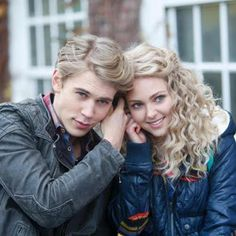 The Chick Lit Bee: Chick Lit On TV: The Carrie Diaries, Episode 3