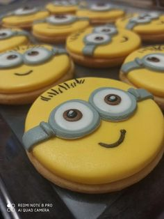 Minions by Maysa Minions, Minion Cookies, Crazy Cakes, Cakes And More, 2nd Birthday, Cake Decorating, Snacks, Twins, Activities