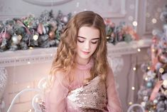 A person must dream to see the meaning of life. Dark Grey Hair, Gray Hair, Anna, Kristina Pimenova, Famous Girls, Famous Models, Cute Friends, Meaning Of Life, Russian Models