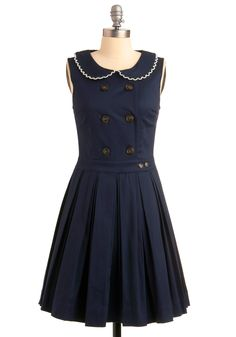 Military! Inspired! Dress! Scallop-trimmed Peter Pan collar! *dies*