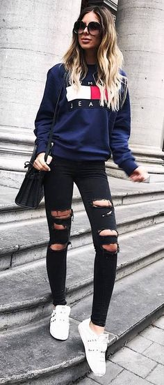 street style obsession / sweatshirt + bag + ripped jeans + sneakers #rippedjeanswomeninspiration