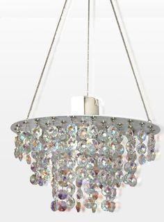 Artesanato compõe lustre de bijuterias!