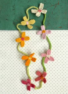 Whit's Knits: Woven Flower Necklace - Knitting Crochet Sewing Crafts Patterns and Ideas! - the purl bee
