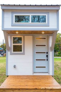 The Lady Bird: a beautifully designed bright, modern tiny home from ATX Tny Casas with just 224 sq ft of space!
