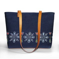 Veľká Kráska - rifľovo kožená kabelka - Kvet Louis Vuitton Monogram, Pattern, Bags, Fashion, Handbags, Moda, Fashion Styles, Patterns, Model