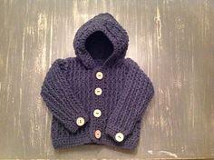 Stoer gehaakt jongens jasje/vestje met hoodie van MCeehandwerk op DaWanda.com