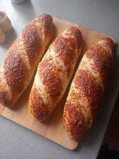 Salty Snacks, Canapes, Baguette, Cake Cookies, Bread Recipes, Bakery, Paleo, Food And Drink, Lime