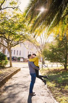 Coffee date & walking the streets of Stellenbosch. #engagementshootideas #coupleshootcoffee #stellenbosch #autumncouple #fallcoupleshoot Fall Engagement Shoots, Engagement Couple, Coffee Date, Couple Shoot, Best Coffee, Cute Couples, Walking, Inspire, Photoshoot
