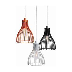 Jesteś zwolennikiem prostych, ponadczasowych elementów oświetleniowych? Wisząca, wykonana z metalu lampa Bari doskonale sprawdzi się w Twoim salonie czy jadalni. Najlepiej dopasuje się do wnętrz urządzonych w stylu nowoczesnym, klasycznym i skandynawskim. Loft, Ceiling Lights, Bari, Lighting, Pendant Lamps, Pendants, Stairs, Home Decor, Design