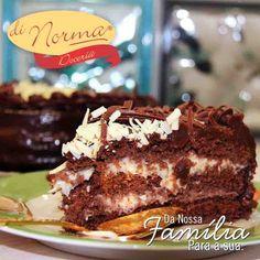 Bolo Casadinha: Bolo de chocolate recheado com creme de chocolate ao leite e branco. #love #DiNorma #Brigadeiro #curta #siga e #compartilhe